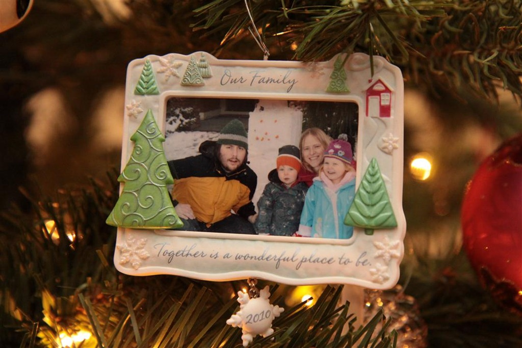 Hallmark Keepsake Ornament Value Guide: Tracker Edition 1973-2005