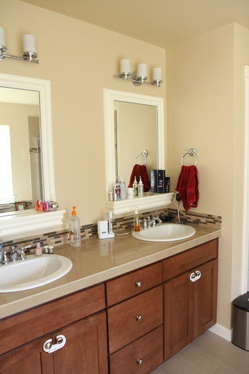 Better homes garden bathroom makeover i need design help momstart for Home and garden bathroom designs