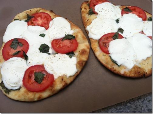 Naan Pizza Complete