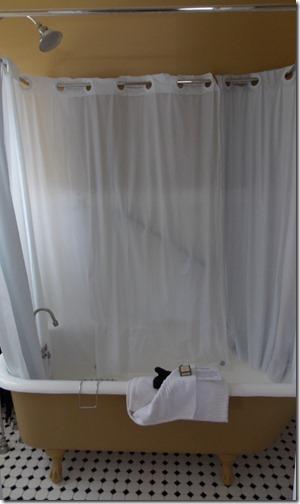 Chamberlin bathtub