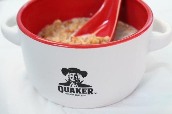Bowl of Quaker Warm and Crunchy Granola