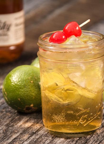 Apple Pie Moonshine Martini