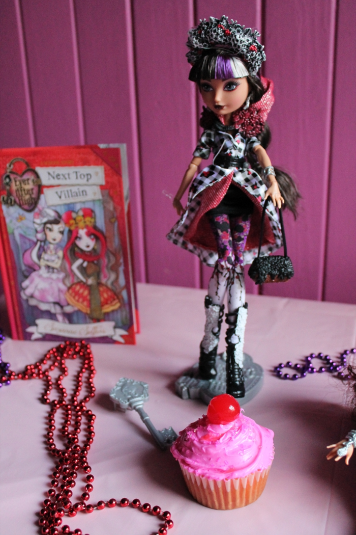 Cerise Hood doll and cupcakes