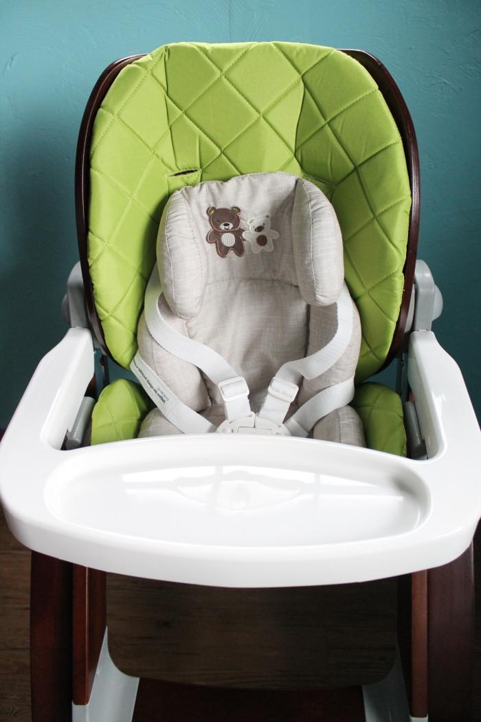 Highchair with newborn insert