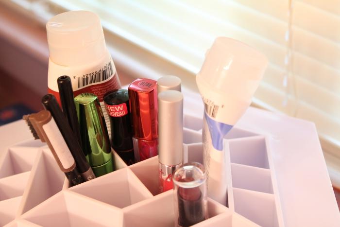 Top of the makeup organizer