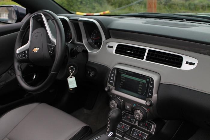2015 Camaro 2SS dashboard