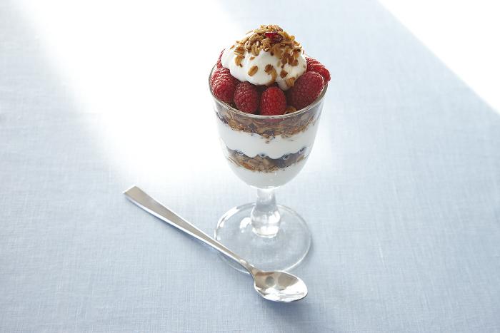 Viki's Granola Berry Parfait