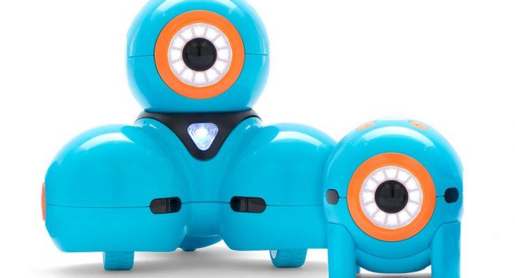 Dash: Adorable Programmable Robot By Wonder Workshop @BestBuy @WonderWorkshop #AD #TechToys