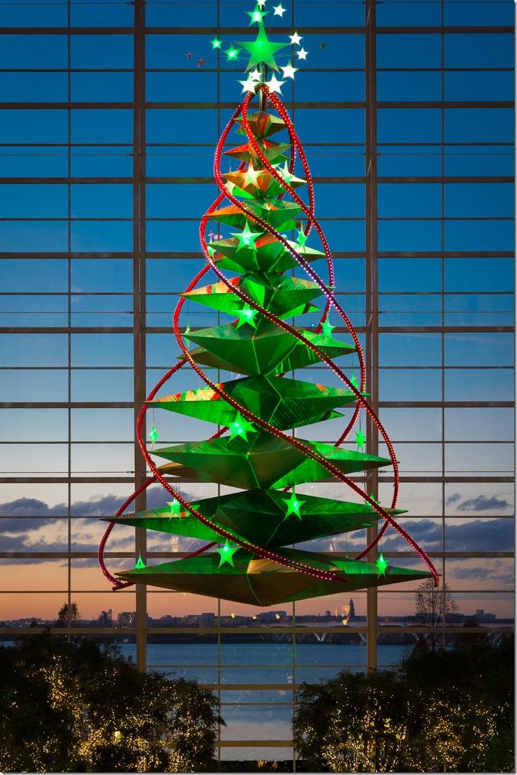 Atrium-Christmas-DanHam-02