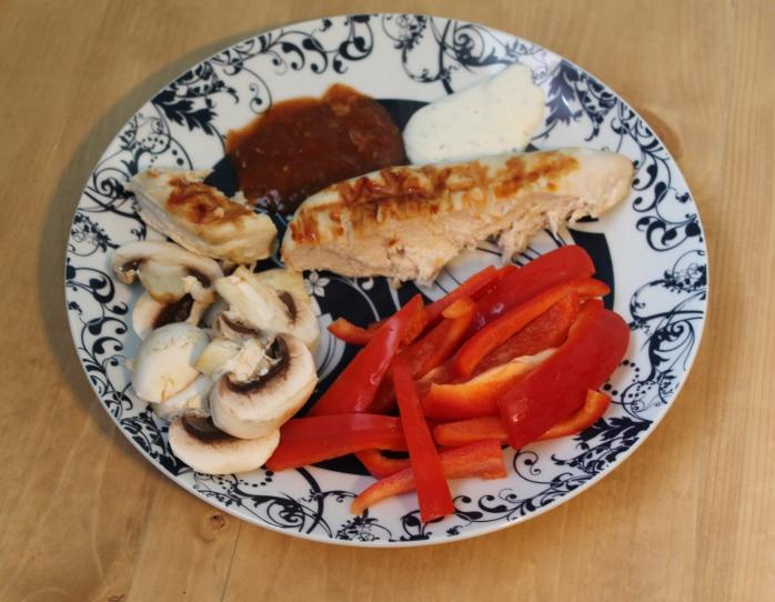 Chicken, veggies & dip