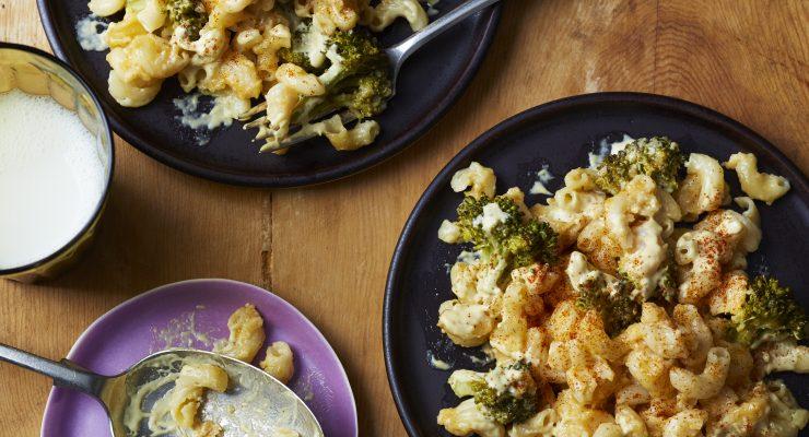 Slow Cooker Broccoli Mac 'n' Cheese Recipe From FamilyFun