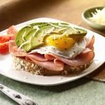 Deli Meat, Egg and Avocado Toast recipe #HormelFamily
