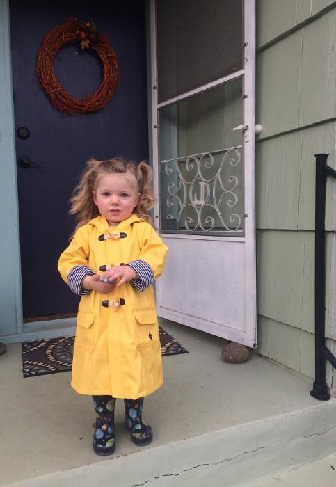 Juni yellow raincoat